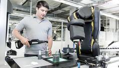 APAS kollaboratív robotasszisztens